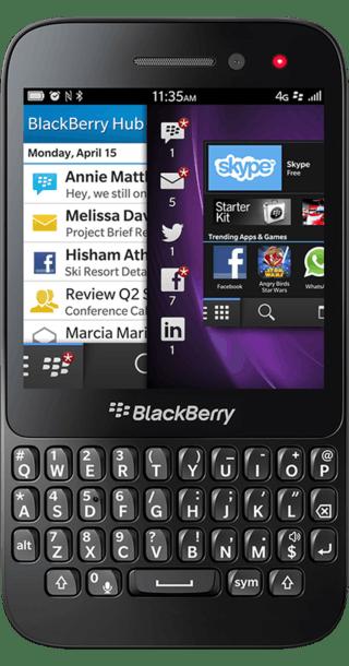 BlackBerry Q5 front